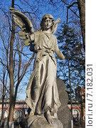 Купить «Донское кладбище», фото № 7182031, снято 27 марта 2014 г. (c) Sashenkov89 / Фотобанк Лори