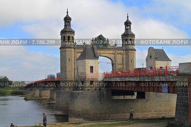 Мост Королевы Луизы (Königin-Luise-Brücke), пограничный автомобильный мост через реку Неман. Советск, Калининградская область, Россия