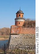 Фрагмент крепостной стены с башней в городе Дубно. Стоковое фото, фотограф Николай Полищук / Фотобанк Лори