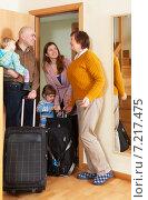 Купить «Family with children coming to grandmother», фото № 7217475, снято 19 января 2014 г. (c) Яков Филимонов / Фотобанк Лори