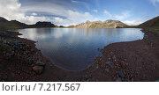 Купить «Красивое кратерное озеро вулкана Хангар на рассвете. Камчатка», фото № 7217567, снято 19 августа 2014 г. (c) А. А. Пирагис / Фотобанк Лори