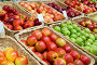 Яблоки в магазине (2015 год). Редакционное фото, фотограф Наталья Волкова / Фотобанк Лори