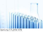 Купить «Пробирки в лаборатории», фото № 7219179, снято 4 апреля 2015 г. (c) Иван Михайлов / Фотобанк Лори