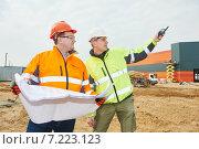 Купить «Construction builder workers», фото № 7223123, снято 25 марта 2015 г. (c) Дмитрий Калиновский / Фотобанк Лори