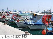 Лодки (2014 год). Редакционное фото, фотограф Боярова Светлана / Фотобанк Лори