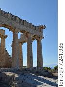 Купить «Колоннада храма Афайи, остров Эгина, Греция», фото № 7241935, снято 2 августа 2013 г. (c) Александр Гончаров / Фотобанк Лори