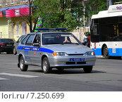 Полицейский автомобиль на Первомайской улице в Измайлове в Москве (2014 год). Редакционное фото, фотограф lana1501 / Фотобанк Лори