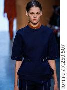 Купить «NEW YORK, NY - FEBRUARY 15: Model Angel Rutledge walk the runway at the Derek Lam Fashion Show during MBFW Fall 2015 at Pace Gallery on February 15, 2015 in NYC», фото № 7259507, снято 15 февраля 2015 г. (c) Anton Oparin / Фотобанк Лори