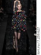 Купить «NEW YORK, NY - FEBRUARY 15: Model Nastya Sten walk the runway at the Diane Von Furstenberg fashion show during MBFW Fall 2015 at Spring Studios on February 15, 2015 in NYC», фото № 7259627, снято 15 февраля 2015 г. (c) Anton Oparin / Фотобанк Лори