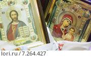 Купить «Православные иконы», видеоролик № 7264427, снято 29 марта 2013 г. (c) Потийко Сергей / Фотобанк Лори