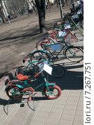 Купить «Выставка старых советских велосипедов, Чистые Пруды, Москва», фото № 7267751, снято 11 апреля 2015 г. (c) Александр Курлович / Фотобанк Лори