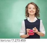Купить «happy girl with purse and euro coin money», фото № 7273459, снято 20 января 2013 г. (c) Syda Productions / Фотобанк Лори