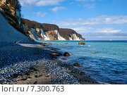 Купить «Меловые скалы острова Рюген, берег Балтийского моря. Германия», фото № 7300763, снято 3 апреля 2015 г. (c) Сергей Куров / Фотобанк Лори