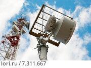 Купить «Антенны базовой станции сотовой связи», фото № 7311667, снято 22 апреля 2015 г. (c) Рожков Юрий / Фотобанк Лори