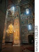 Купить «Внутри Софийского собора в Вологде», фото № 7322283, снято 22 июня 2014 г. (c) Михаил Трибой / Фотобанк Лори