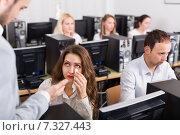 Купить «boss and clerk at open space working area», фото № 7327443, снято 21 июля 2019 г. (c) Яков Филимонов / Фотобанк Лори