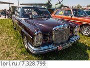 Купить «Автомобиль Мерседес (Mercedes-Benz 280S), 1958 года выпуска, принадлежал бывшему советскому лидеру Леониду Брежневу», фото № 7328799, снято 26 апреля 2015 г. (c) vale_t / Фотобанк Лори