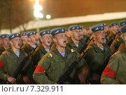 Купить «Репетиция Парада Победы. На снимке: курсанты поют песню.», фото № 7329911, снято 29 апреля 2015 г. (c) Matwey / Фотобанк Лори