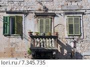 Купить «Croatia, Split, Old balcony, Split», фото № 7345735, снято 22 августа 2019 г. (c) BE&W Photo / Фотобанк Лори