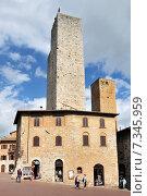 Купить «Medieval houses around Plazza Duomo San Gimignano Italy», фото № 7345959, снято 25 июня 2019 г. (c) BE&W Photo / Фотобанк Лори