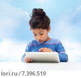 Купить «little girl with tablet pc over sky background», фото № 7396519, снято 25 августа 2013 г. (c) Syda Productions / Фотобанк Лори
