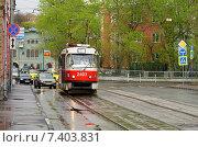 Купить «Город Москва, улица Дурова, трамвай», эксклюзивное фото № 7403831, снято 2 мая 2015 г. (c) Dmitry29 / Фотобанк Лори