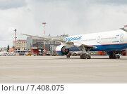 Boeing 777-200ER (VQ-BNU) в аэропорту Шереметьево, эксклюзивное фото № 7408075, снято 15 апреля 2015 г. (c) Константин Косов / Фотобанк Лори
