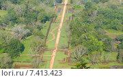 Купить «Сад Сигирия в Шри-Ланке - вид со скалы», видеоролик № 7413423, снято 9 мая 2015 г. (c) Михаил Коханчиков / Фотобанк Лори
