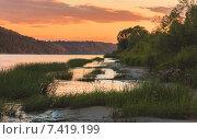 Закат на реке. Стоковое фото, фотограф Антон Юрченков / Фотобанк Лори
