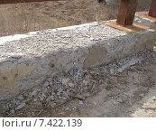 Купить «Локальные разрушения бетонного бордюра моста через реку», фото № 7422139, снято 20 апреля 2010 г. (c) Юрий Серебряков / Фотобанк Лори