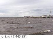 Купить «Сильный ветер на Финском заливе поднимает волну», фото № 7443951, снято 16 мая 2015 г. (c) Ивашков Александр / Фотобанк Лори