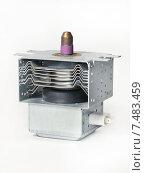 Магнетрон - деталь бытовой микроволновки, эксклюзивное фото № 7483459, снято 10 марта 2013 г. (c) Dmitry29 / Фотобанк Лори