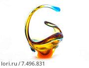 Ваза для конфет из богемского стекла на белом фоне. Стоковое фото, фотограф Ноева Елена / Фотобанк Лори