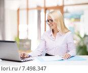 Купить «smiling businesswoman or student with laptop», фото № 7498347, снято 16 января 2015 г. (c) Syda Productions / Фотобанк Лори