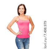 Купить «woman in blank pink tank top», фото № 7498979, снято 25 июля 2013 г. (c) Syda Productions / Фотобанк Лори