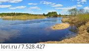 Купить «Панорама весенней реки с облаками. Рязанская Мещера, река Пра», фото № 7528427, снято 26 апреля 2018 г. (c) Сергей Дрозд / Фотобанк Лори