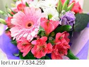 Купить «Букет цветов с герберами и альстромерией», фото № 7534259, снято 25 мая 2015 г. (c) Володина Ольга / Фотобанк Лори