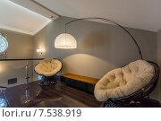 Купить «Два кресла и торшер в мансарде коттеджа», фото № 7538919, снято 3 июня 2015 г. (c) Алексей Клим / Фотобанк Лори