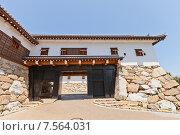 Купить «Ворота Куроганэгомон замка Имабари (построен в 1604, реконструирован в 1980 г.) в г. Имабари, о. Сикоку, Япония», фото № 7564031, снято 21 мая 2015 г. (c) Иван Марчук / Фотобанк Лори