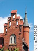 Купить «Домик смотрителя моста, фрагмент башня и фронтоны. Калининград, Кёнигсберг до 1946 г.», эксклюзивное фото № 7566083, снято 15 июня 2015 г. (c) Svet / Фотобанк Лори