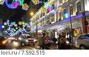 Купить «Motorcyclists move in the Saigon downtown», видеоролик № 7592515, снято 14 мая 2015 г. (c) Александр Подшивалов / Фотобанк Лори