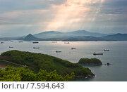 Вид бухты Находка перед непогодой, фото № 7594643, снято 21 мая 2014 г. (c) Владимир Серебрянский / Фотобанк Лори
