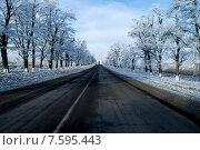 Зимняя дорога. Стоковое фото, фотограф Олег Цуциев / Фотобанк Лори