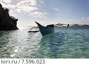 Рыбацкая лодка на экзотическом острове (2014 год). Стоковое фото, фотограф Павел Нефедов / Фотобанк Лори
