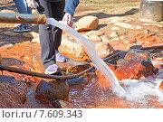 Купить «Мощный выход на поверхность источника с минеральной водой нарзан», фото № 7609343, снято 1 мая 2015 г. (c) Parmenov Pavel / Фотобанк Лори