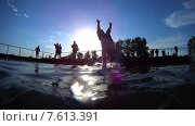 Купить «Прыжок в воду», видеоролик № 7613391, снято 22 июня 2013 г. (c) Талдыкин Юрий / Фотобанк Лори