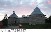 Купить «Крепость Старая Ладога на рассвете», эксклюзивный видеоролик № 7616147, снято 12 июня 2015 г. (c) Литвяк Игорь / Фотобанк Лори