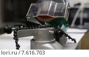 Купить «Заточка цепи бензопилы на точильном станке», видеоролик № 7616703, снято 16 июля 2019 г. (c) Евгений Ткачёв / Фотобанк Лори