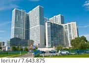 Купить «Многоэтажные дома. Северное Чертаново. Москва», фото № 7643875, снято 7 июня 2015 г. (c) Екатерина Овсянникова / Фотобанк Лори