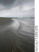 Tide on the beach, Shallow Bay, Gros Morne National Park, Newfoundland and Labrador, Canada. Стоковое фото, фотограф Keith Levit / Ingram Publishing / Фотобанк Лори